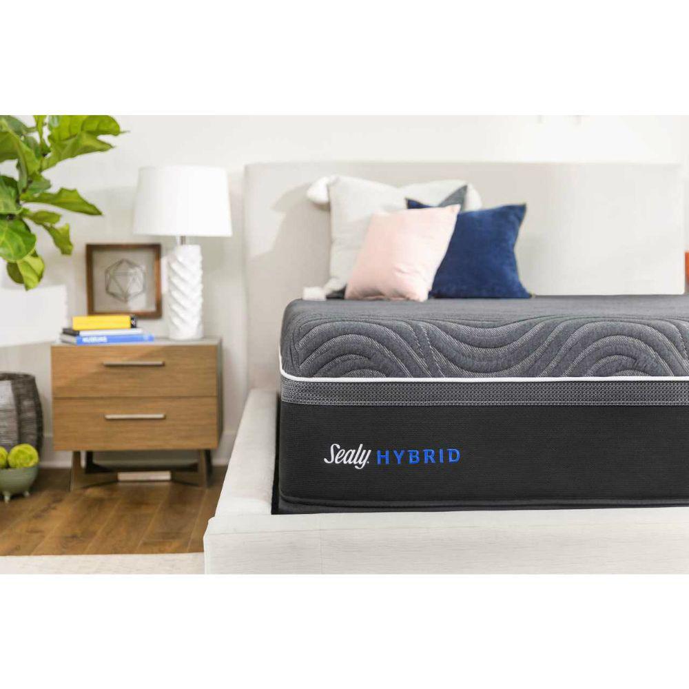 Sealy Hybrid Gold Chill Ultra Plush Mattress - Lifestyle - Corner