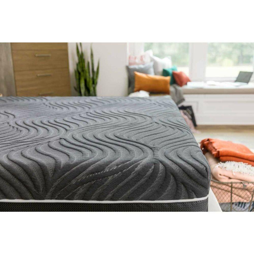 Sealy Hybrid Gold Chill Ultra Plush Mattress - Lifestyle - Fabric Detail