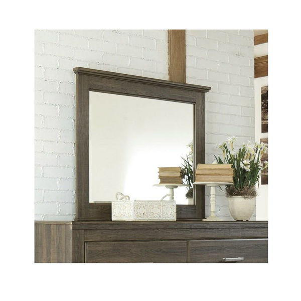 Picture of Debbie Mirror