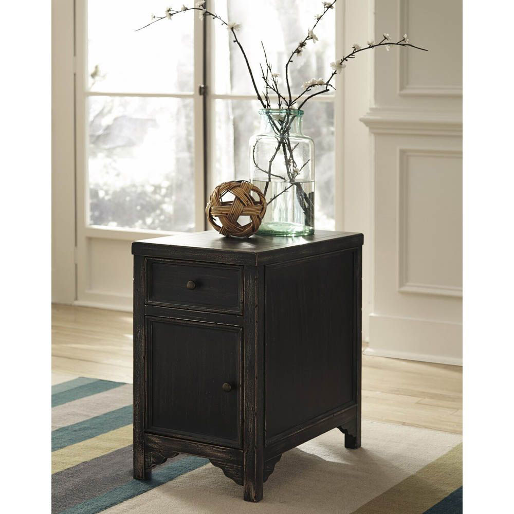 Gavrila Chairside End Table - Black - Lifestyle