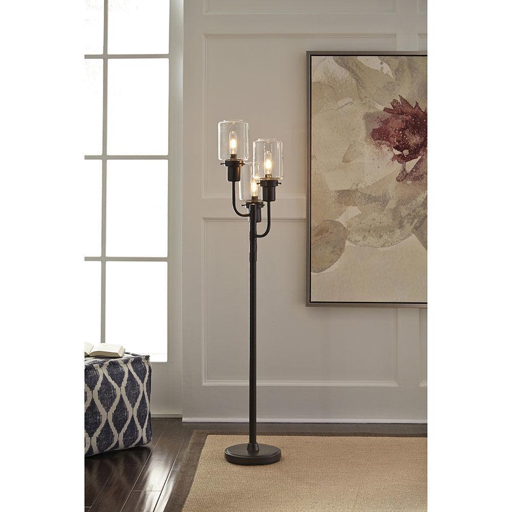 Jaak Metal Floor Lamp - Lifestyle