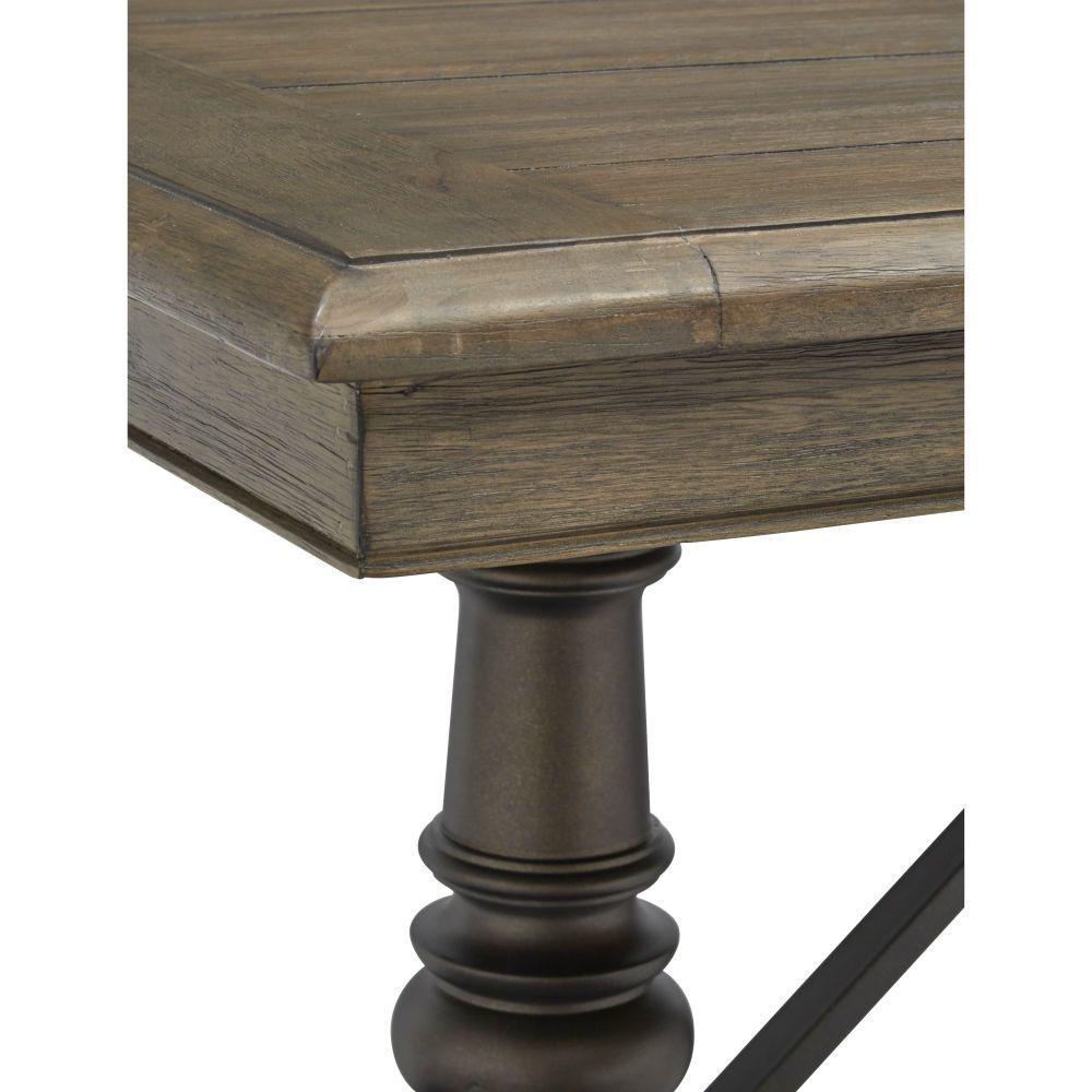 Roxbury Manor Dining Table - Corner Detail