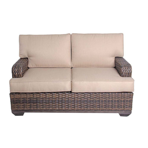 Chenowith Loveseat