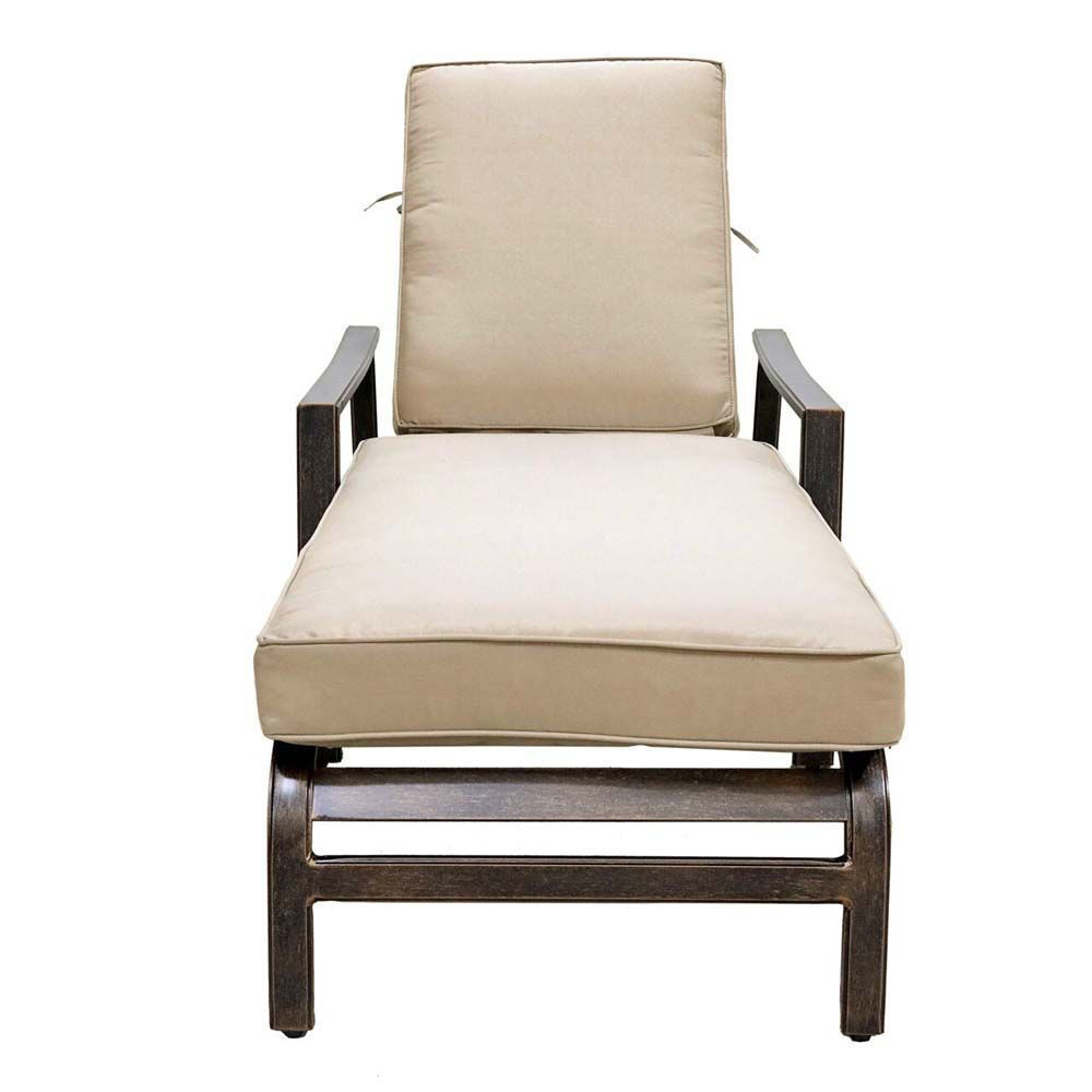 Aspen Lounge Chair Front