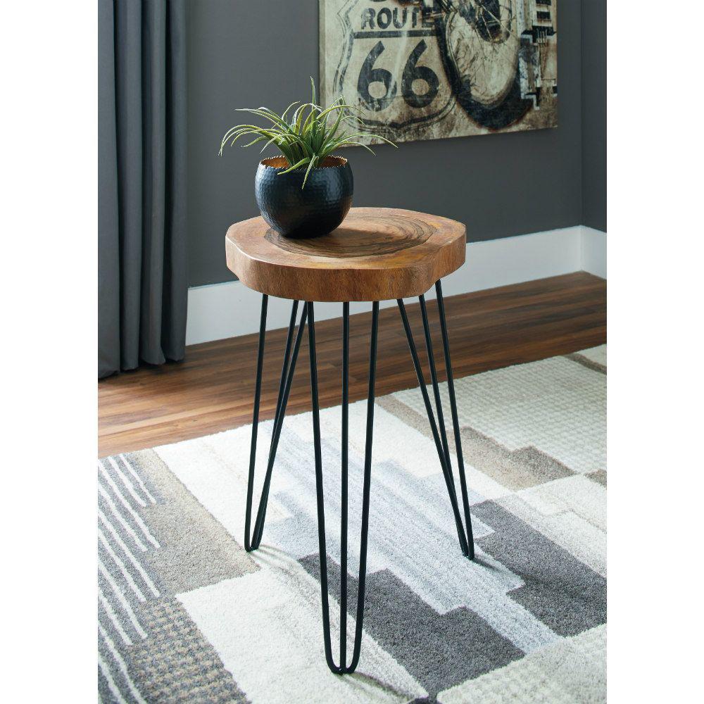 Eversboro Accent Table - Lifestyle