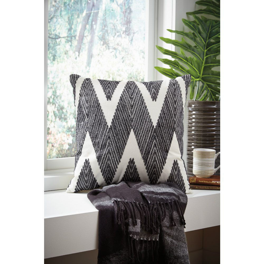 Charlotte Pillow - Set of 4 - Lifestyle