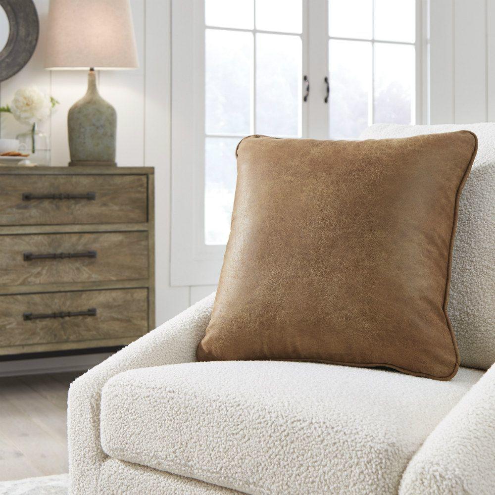 Verran Pillow - Lifestyle