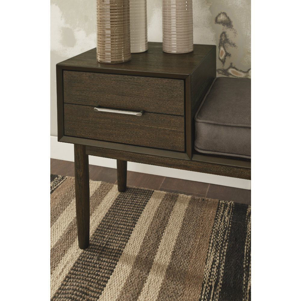 Gavin Accent Bench - Lifestyle Detail