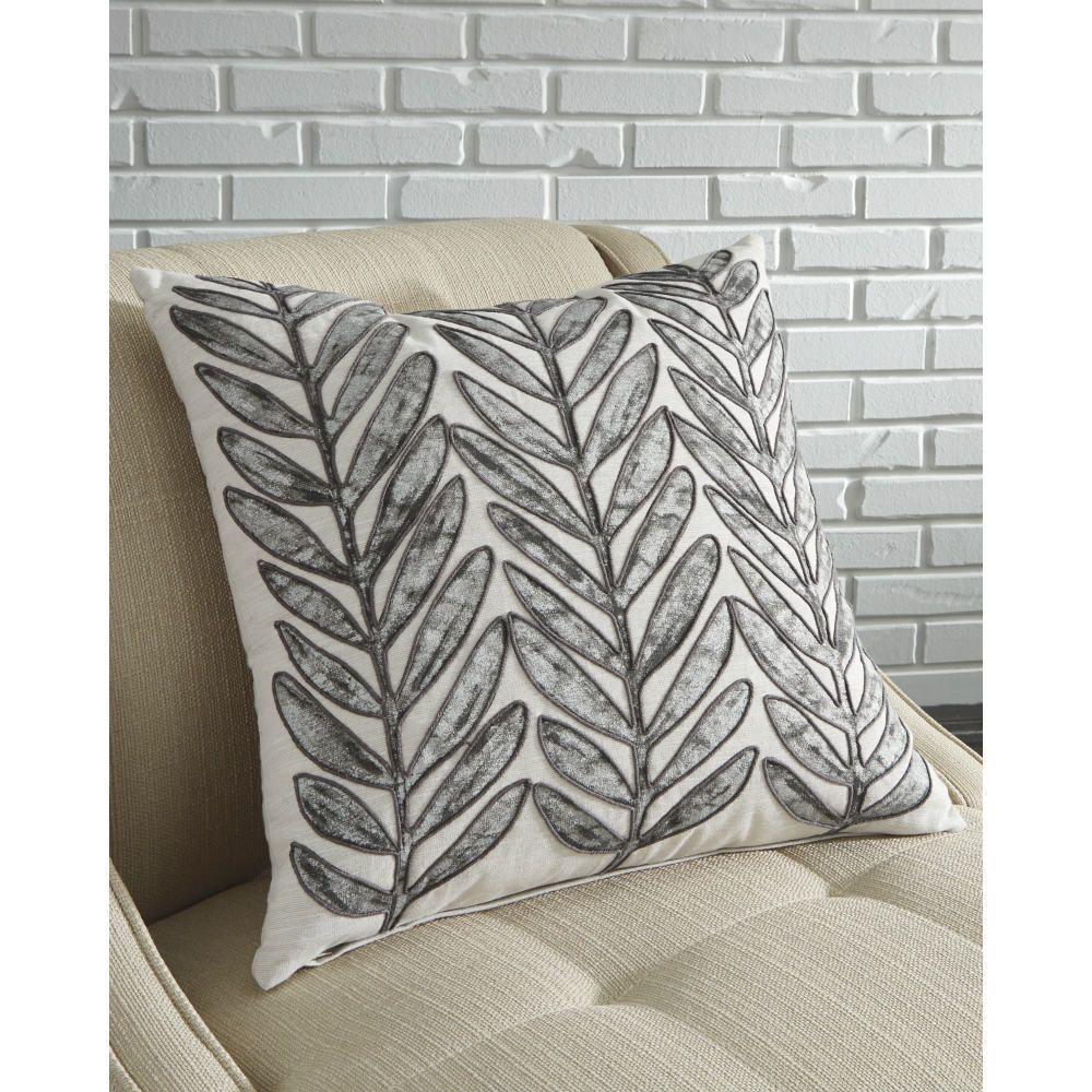 Sayda Pillow - Lifestyle