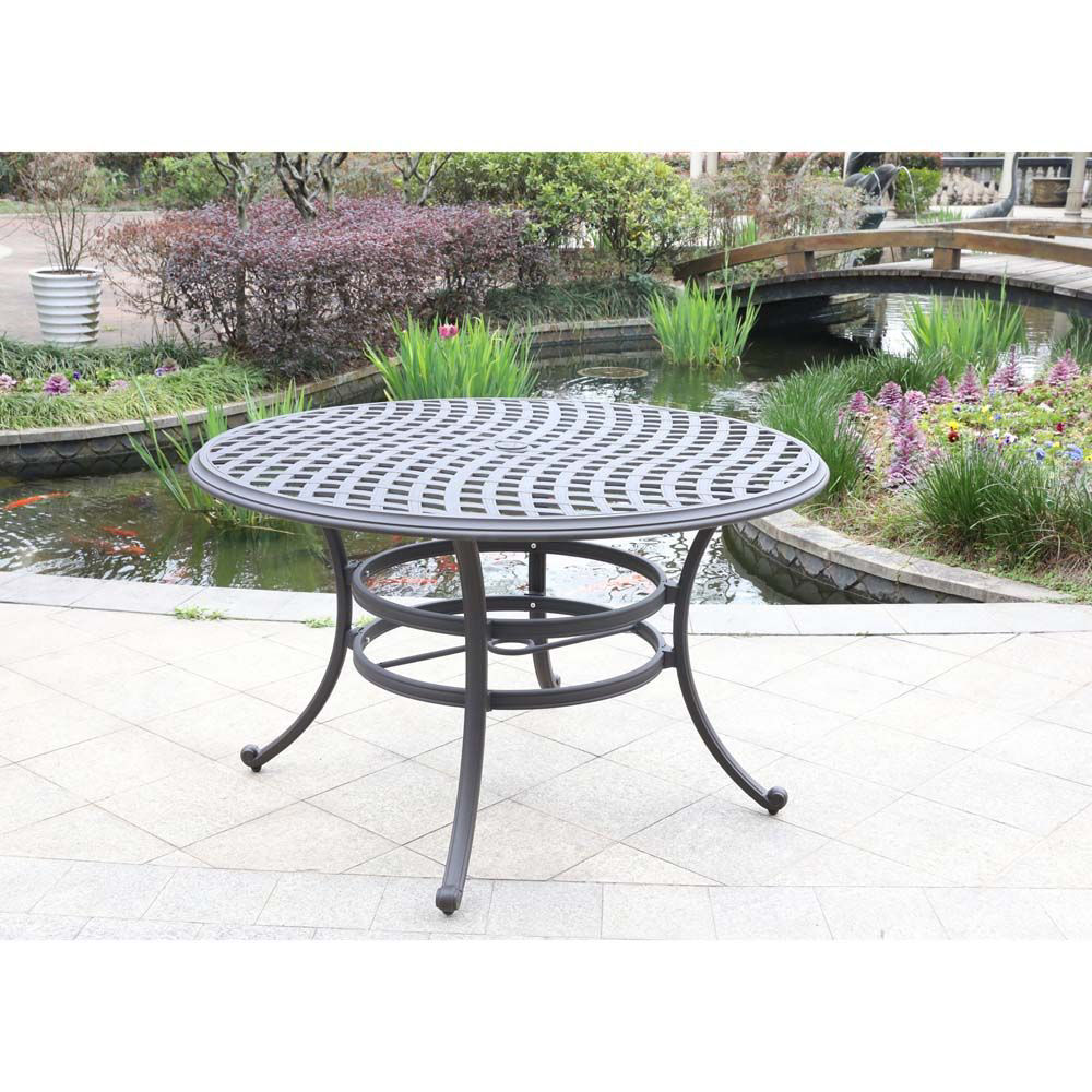 Paseo Outdoor Round Dining Table - Lifestyle