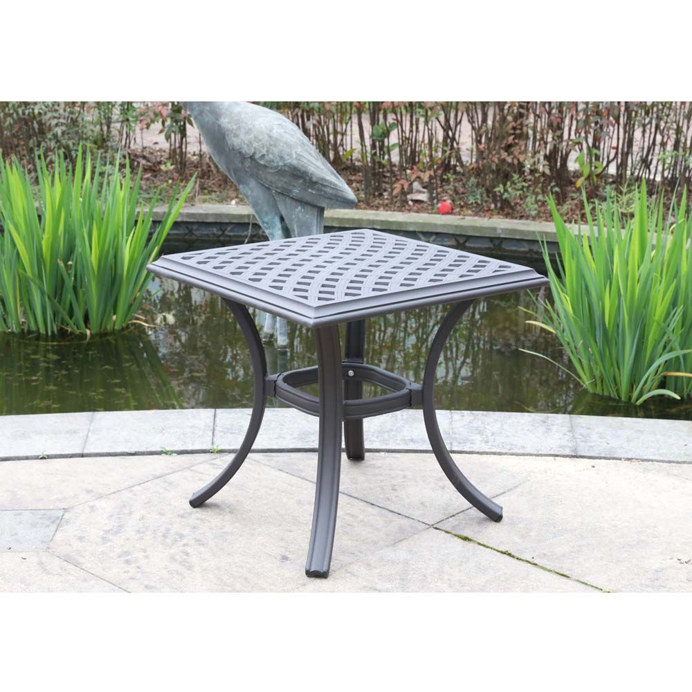 Paseo Outdoor End Table Lifestyle