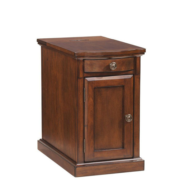 Laflorn Chair Side Table - Medium Brown