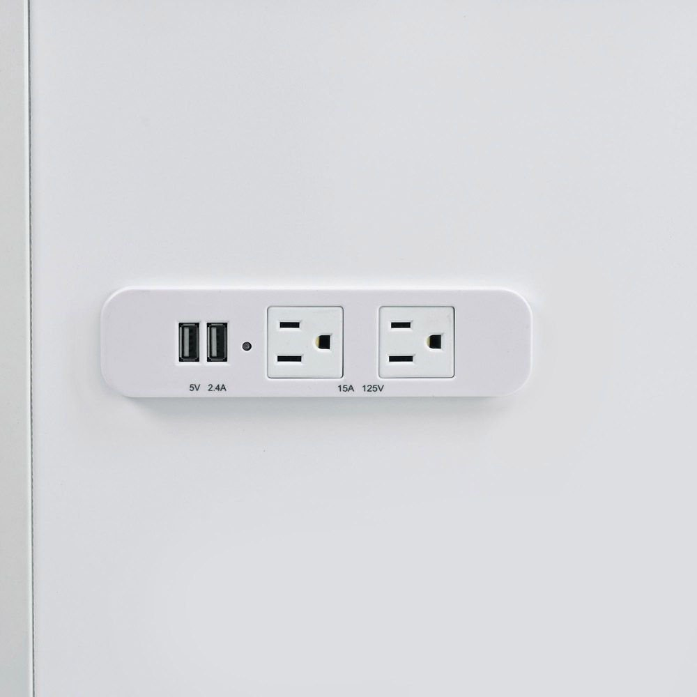 Ariana Vanity - USB And Outlets