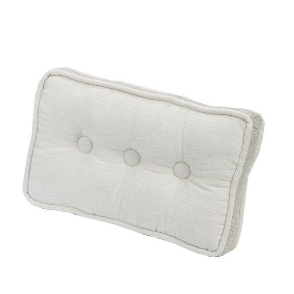Picture of Wilshire 3-Button Box Pillow