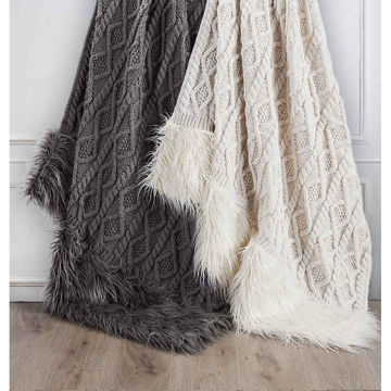 Picture of Nordic Oversized Throw - White