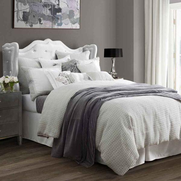 Picture of Wilshire 4-Piece Comforter Set