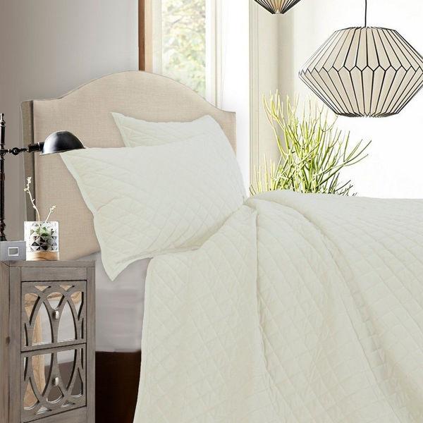 Picture of Diamond Velvet 3-Piece Quilt Set - Cream