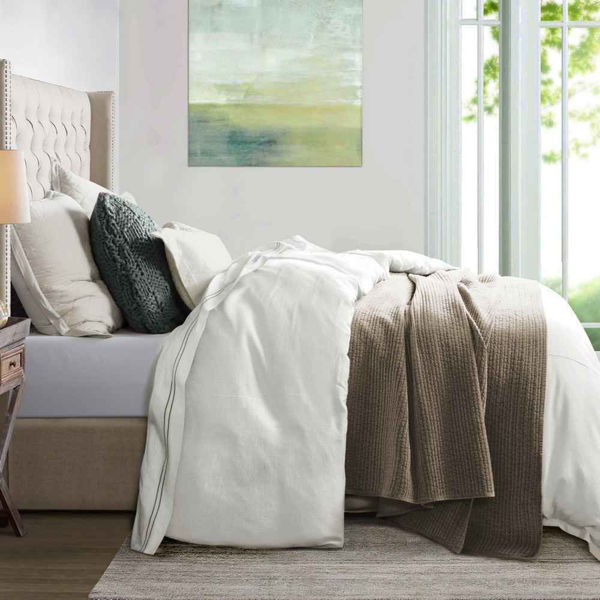 Picture of Hera 3-Piece Duvet Set - White
